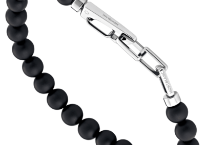 123828-Onyx-bead-bracelet-with-carabiner-closure-in-stainless-steel_1842781-400x284
